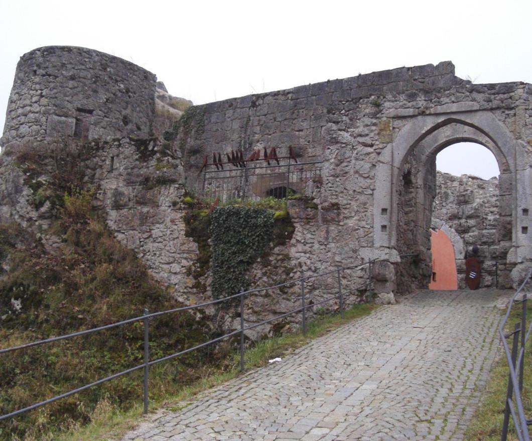 Ausgesperrt – auf Entdeckungsreise quer durch den Markt Laaber hinauf zur Burg